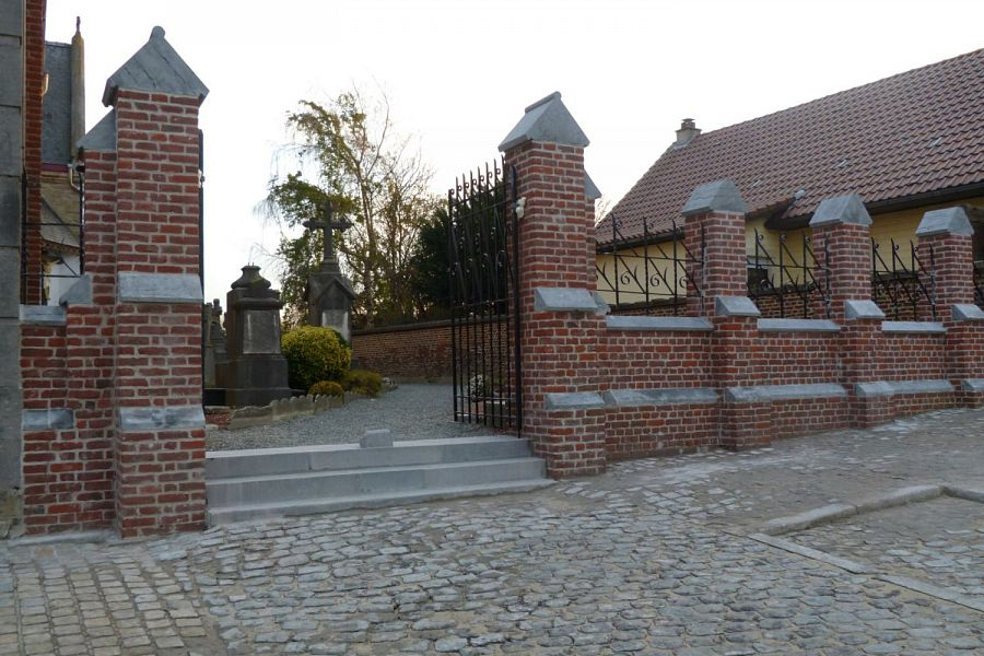Cemetery wall SMO